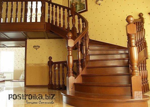Фото деревянных лестниц – настоящее украшение дома!