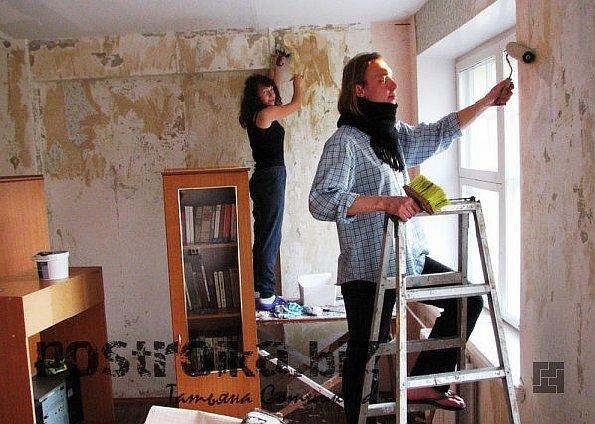 Клеить или красить: чем оформить стены