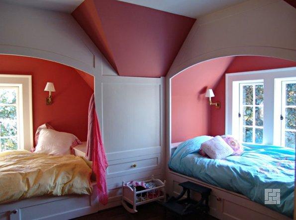 Удачное решение детской спальни для двоих детей