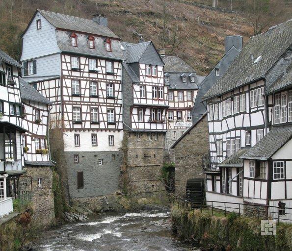 Старинные фахверкные дома в Германии.
