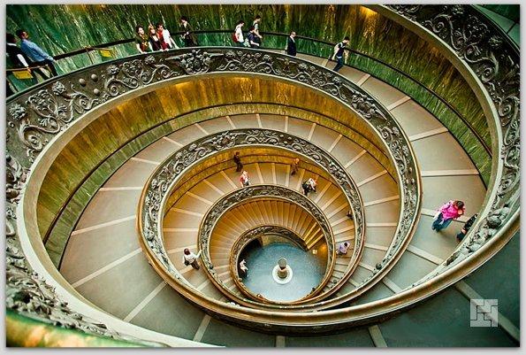 Спиральная лестница в Ватикане