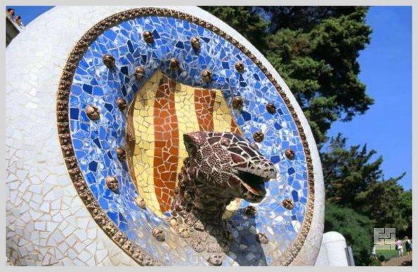 Фонтан-Дракон в Парке Гуэля, Барселона, арх.Антонио Гауди