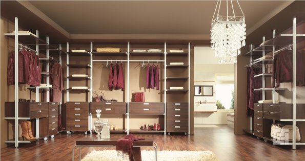 гардеробная комната смешанного типа