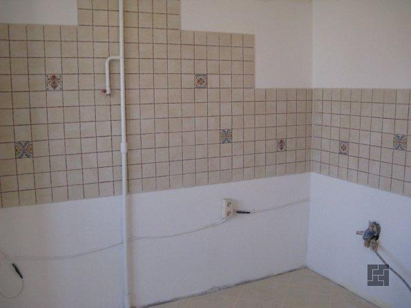 Выравнивание стен под плитку гипсокартоном