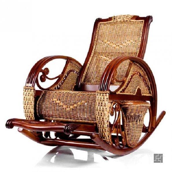 Кресло-качалка с подставкой для ног
