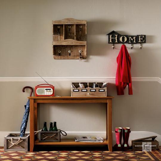 Буквы в интерьере коридора