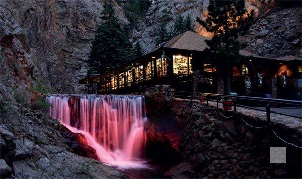 интерактивный водопад