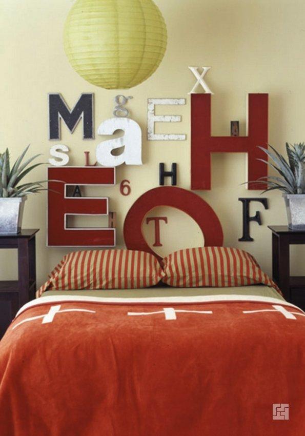 Декор спальни с использованием букв