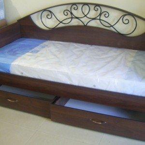 Каркас кровати с выдвижными ящиками