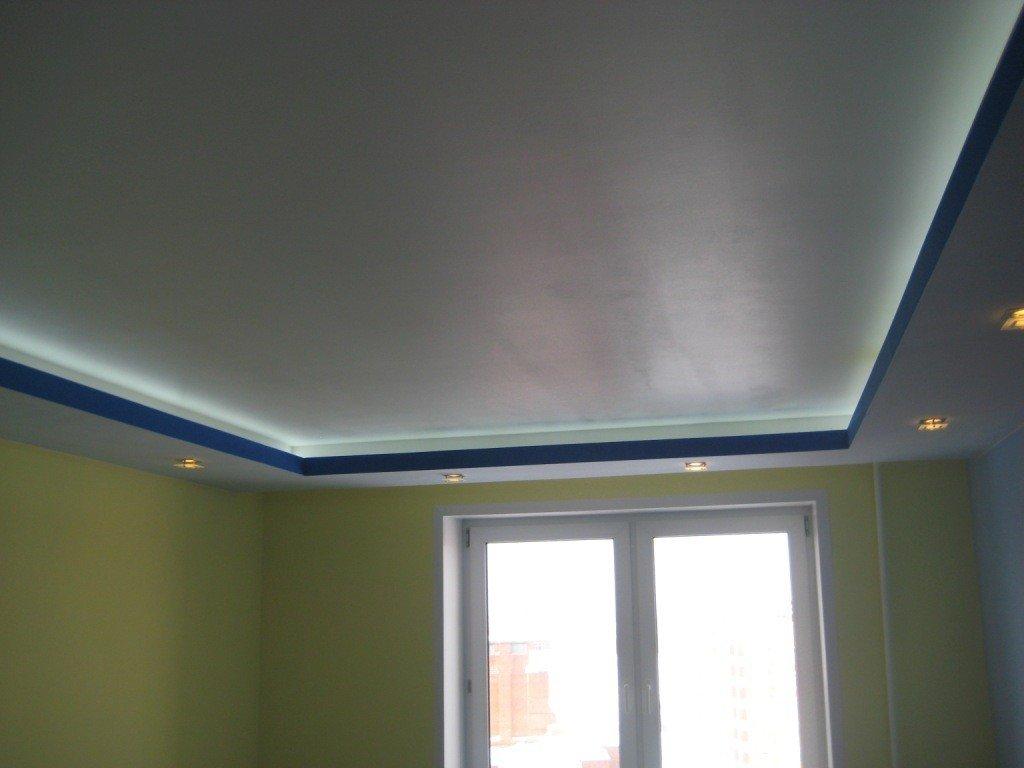 Потолок с коробом из гипсокартона