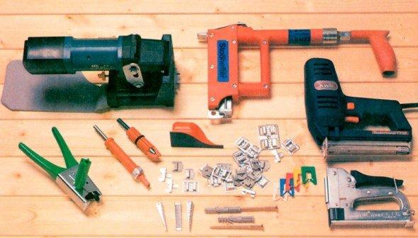 Набор инструментов и крепежа для работы с вагонкой