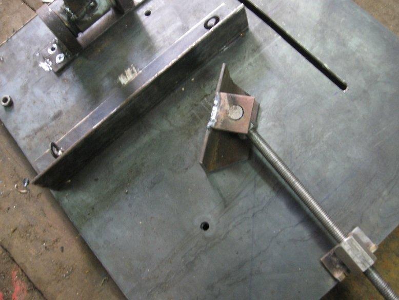 Отрезной станок из болгарки по металлу своими руками