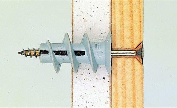 Крепление бруса к стене с помощью самореза и дюбеля