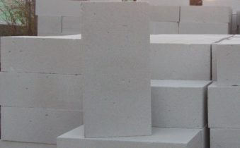 Строительство домов из газосиликатных блоков — достойный конкурент каркасному, деревянному и другим видам строительства