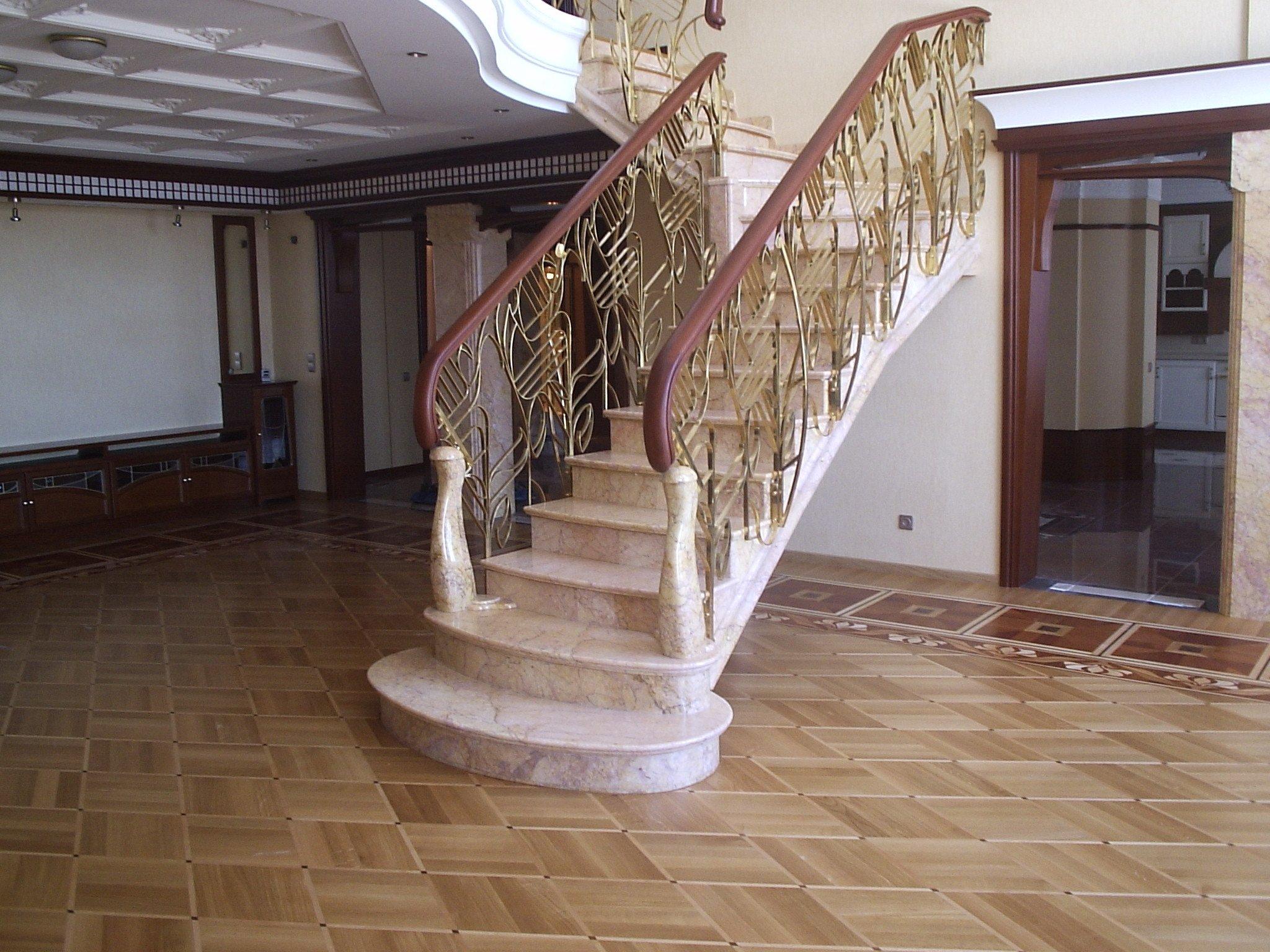 Мраморные лестницы для дома – украсят дом и создадут уют