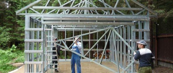 Нужно ли строить гараж металлический своими руками?