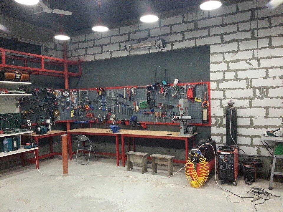 Угловая зона в гараже