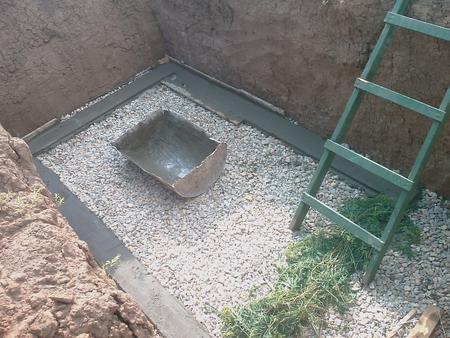 Подготовка основания для пола в овощной яме