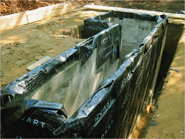 Наружная гидроизоляция смотровой ямы