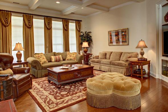 Мягкая мебель в гостиной во французском стиле