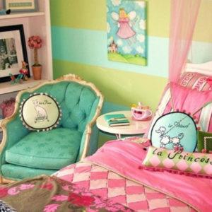 Спальня для маленькой принцессы в парижском стиле