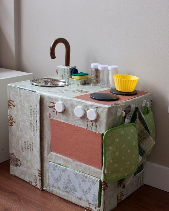 Детская кухня из картонных коробок своими руками