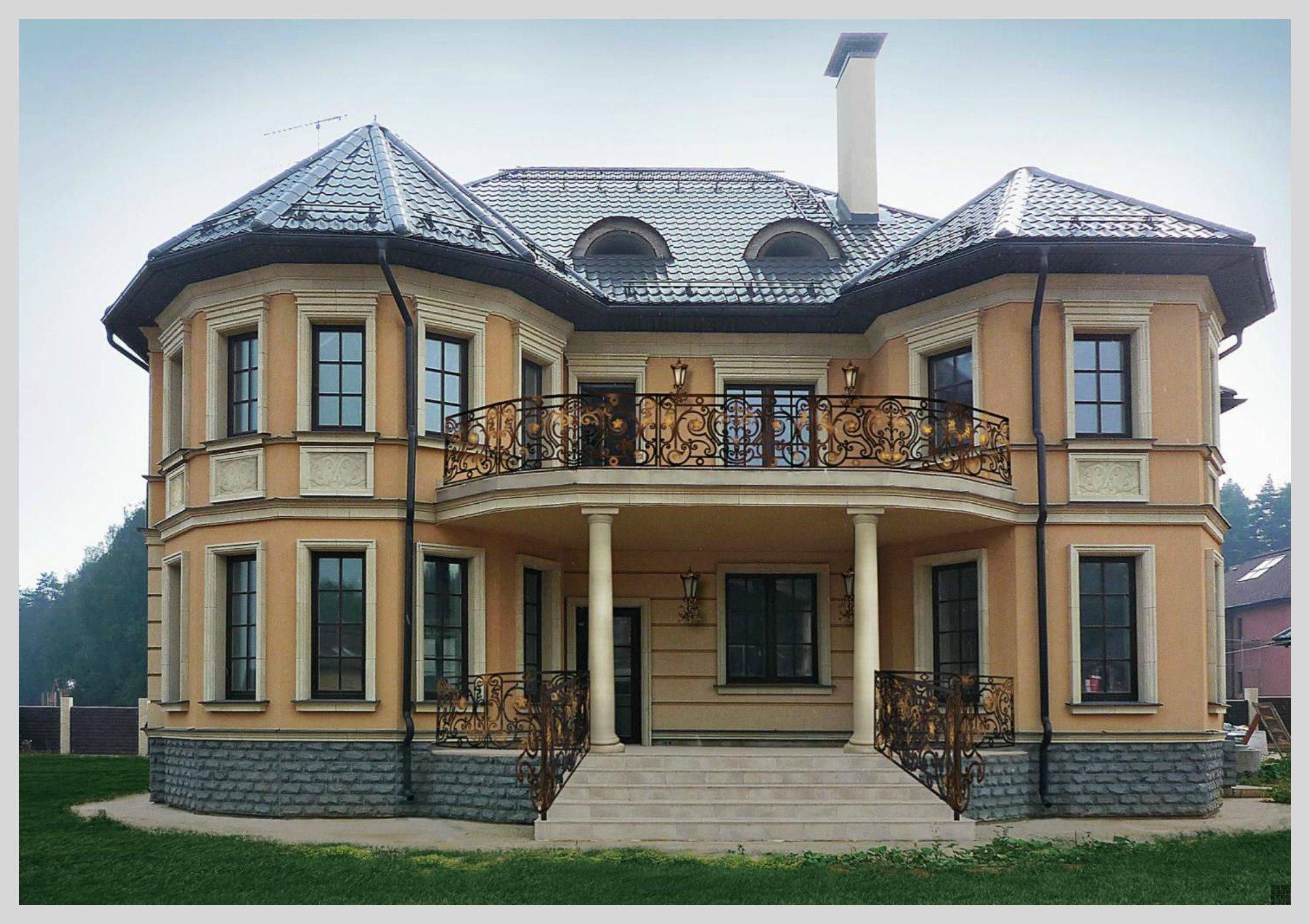 Крыльцо кирпичного дома