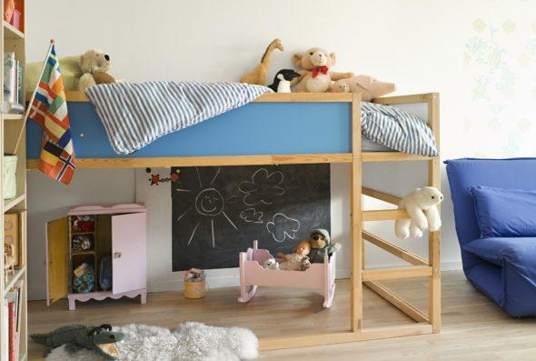 Чердачная двухъярусная кровать