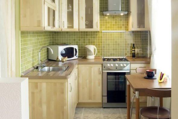 Дизайн-проект кухни в бежевых тонах