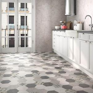 Геометрическая плитка на кухне