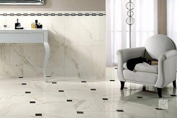 Бела и чёрная плитка на полу