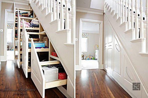 Лестница с встроенными выдвижными ящиками