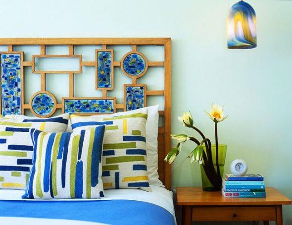 Мозаика в изголовье кровати