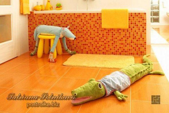 Подушка в виде крокодила