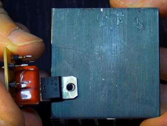 Радиатор охлаждения симистора