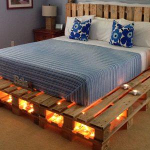 Кровать из паллет с подсветкой