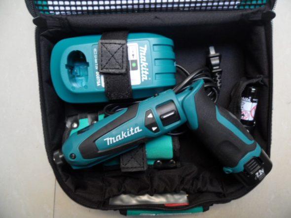 Профессиональная отвёртка Makita TD021DSE