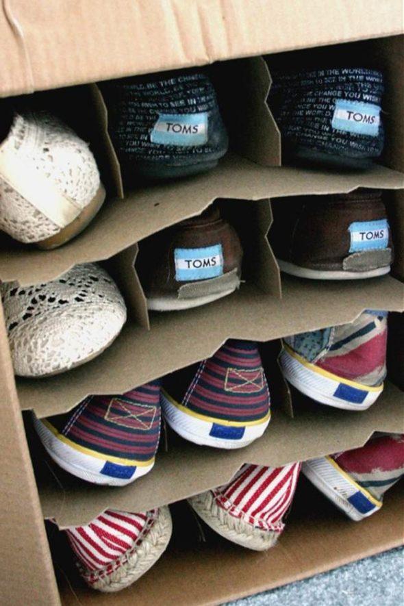 Простая обувница из картона