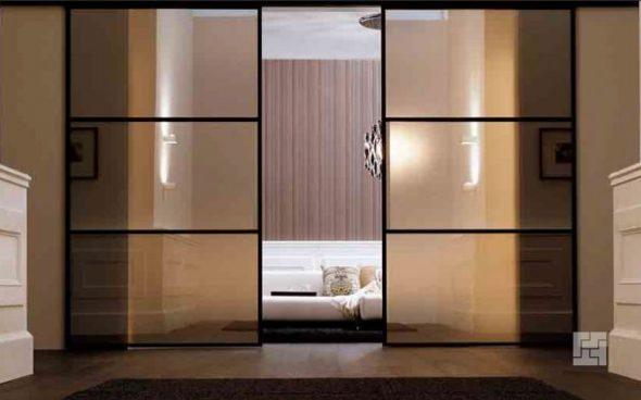 использование раздвижных дверей в качестве перегородки