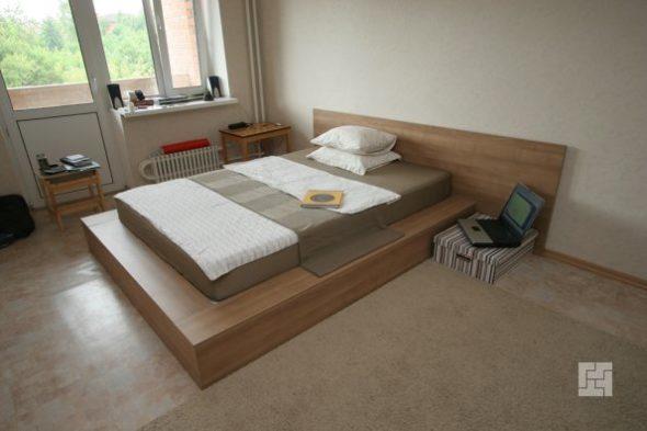 организация спального места на подиуме
