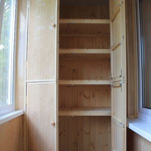 Шкаф из древесины