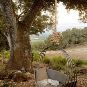 Кресло из нескольких обручей