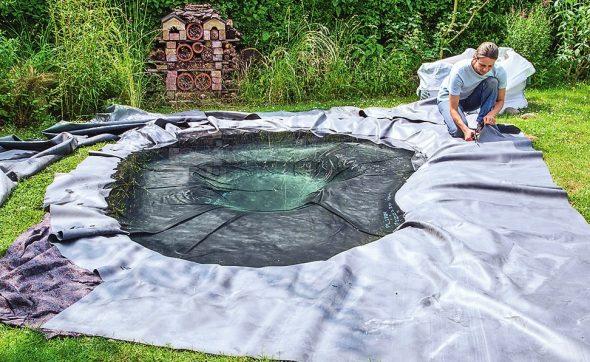 Процесс создания пруда из пленки
