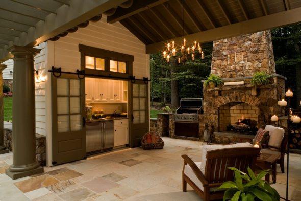 Патио с кухней и камином