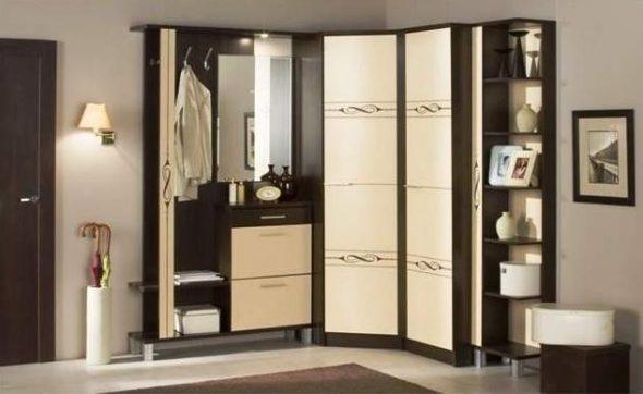 Угловой шкаф с открытыми полочками