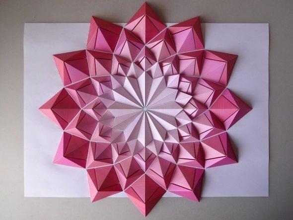 Панно из цветной бумаги