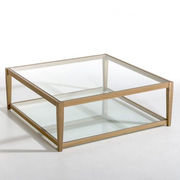 Современный журнальный столик из стекла