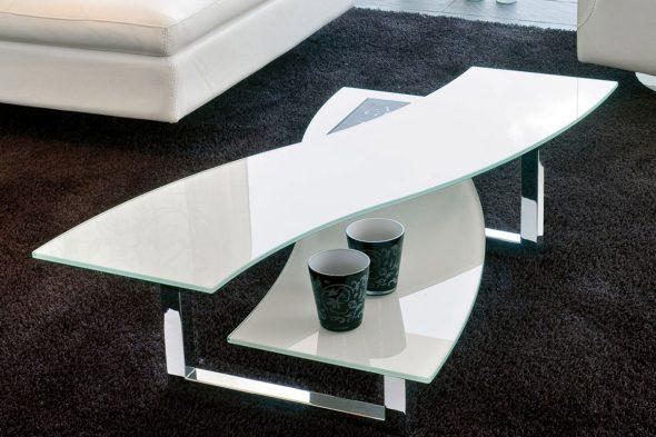 Журнальный столик из тонированного стекла