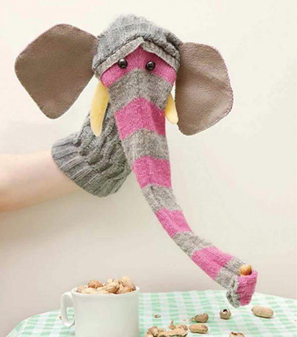 Слоник для домашнего театра из носков
