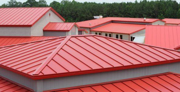 Красивая крыша из сэндвич-панелей